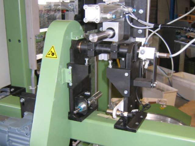 Machinebouw - Detail afscheurstation | amtgroup.nl