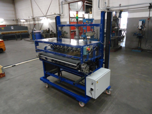 Machinebouw - Folie cutting machine | amtgroup.nl