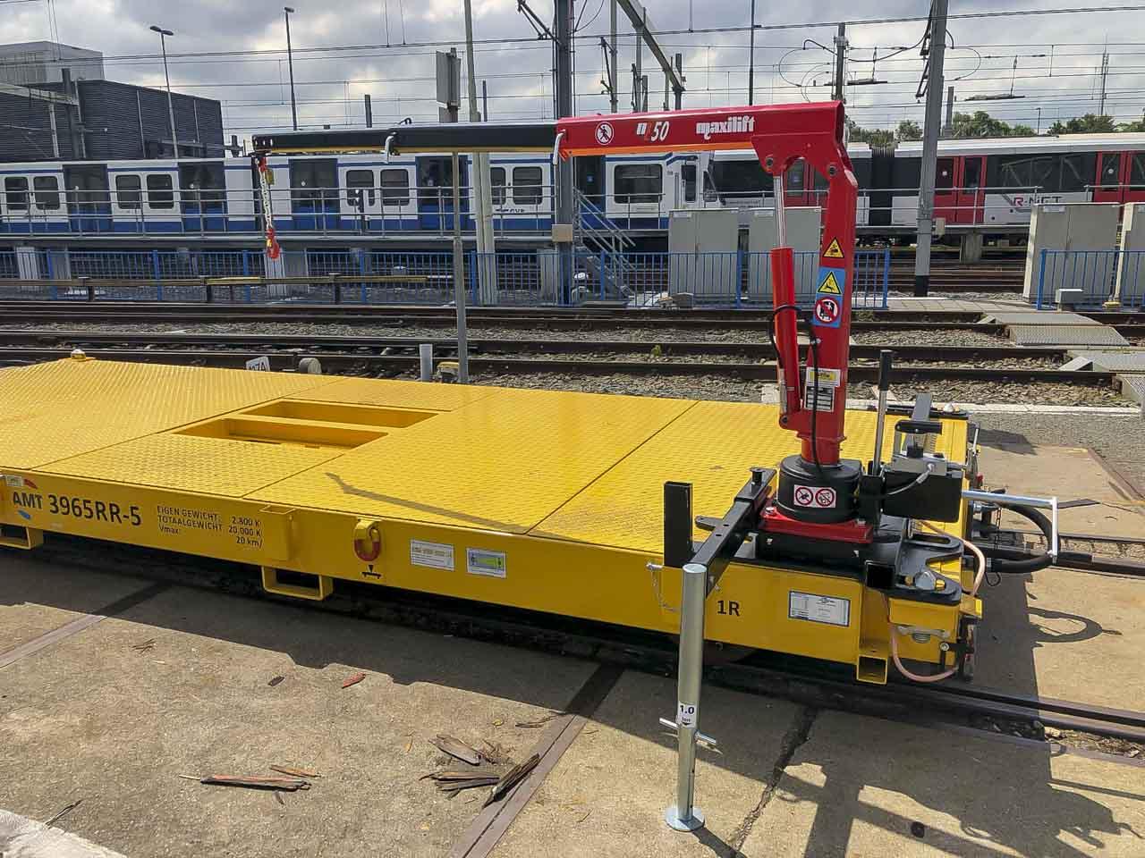 Railtrailer laadkraan