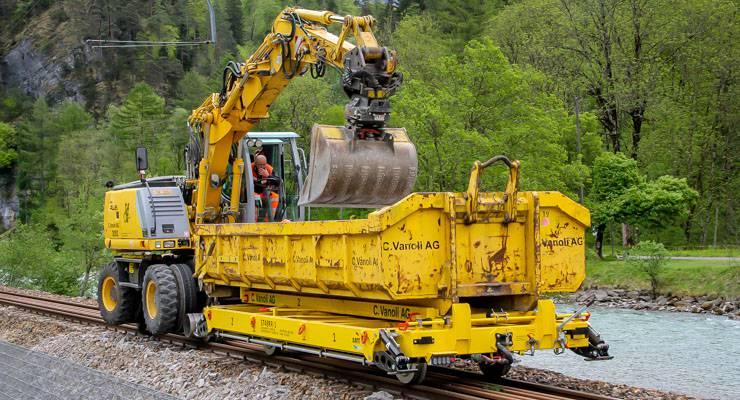 Railtrailer / Flatlorrie   amtgroup.nl