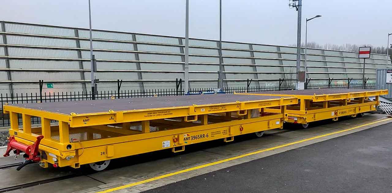 Rail trailer levering