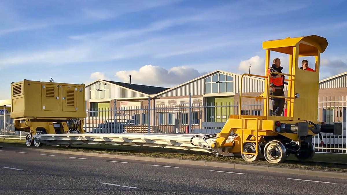 SEFA Modulaire zelfrijdende railtrailer